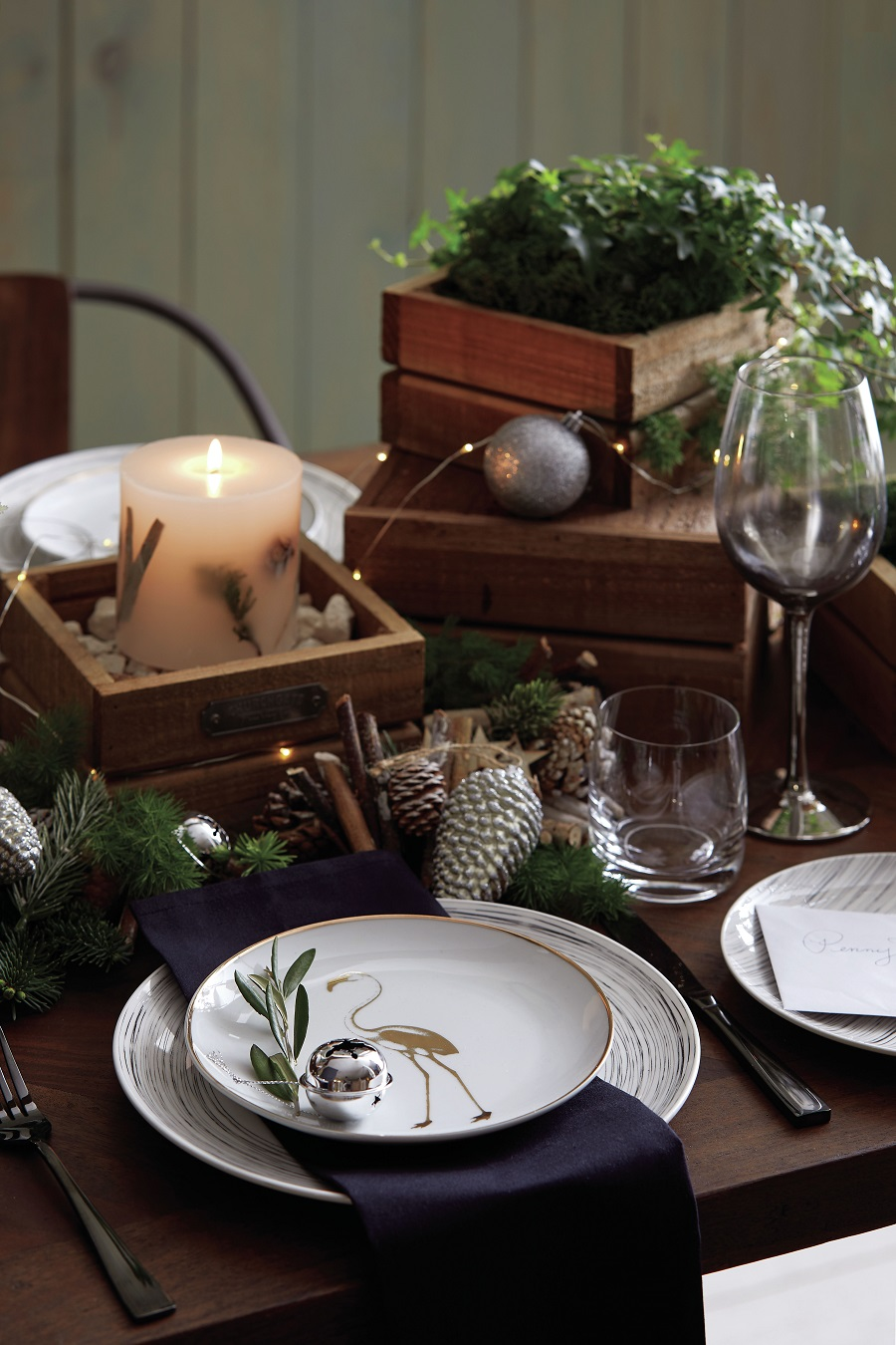 Two Non-Traditional Decorating Ideas for the Christmas Table