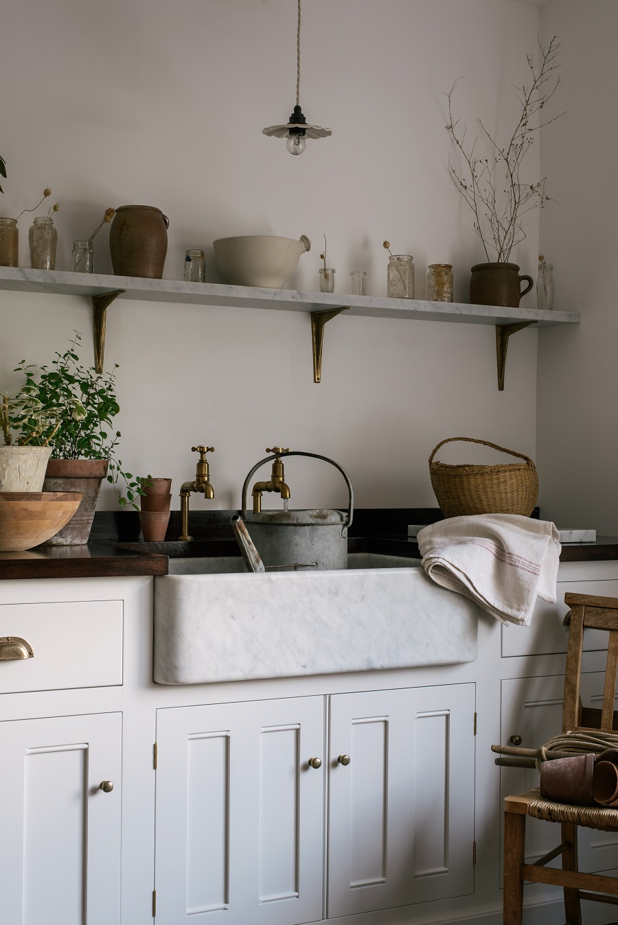 A Beautiful Country Style Laundry Room