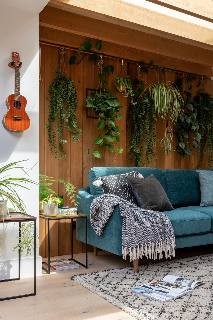 A Sitting Room That Uses Biophilic Design and How to Get The Look