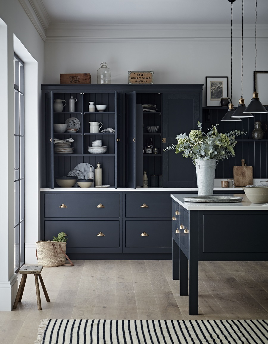 The Timeless Appeal of a Black Painted Kitchen