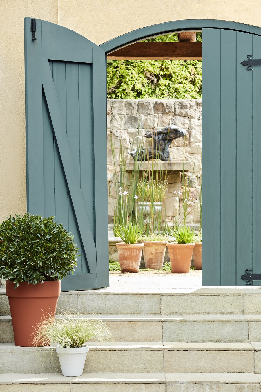 The Little Greene Guide to Exterior Paintwork