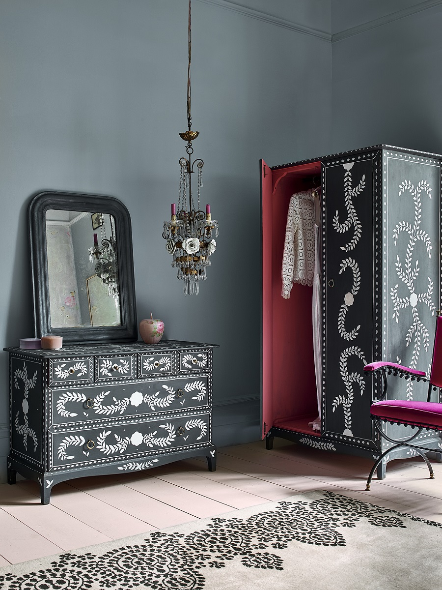 3 Stunning Ways to Use Chalkpaint to Transform Your Home