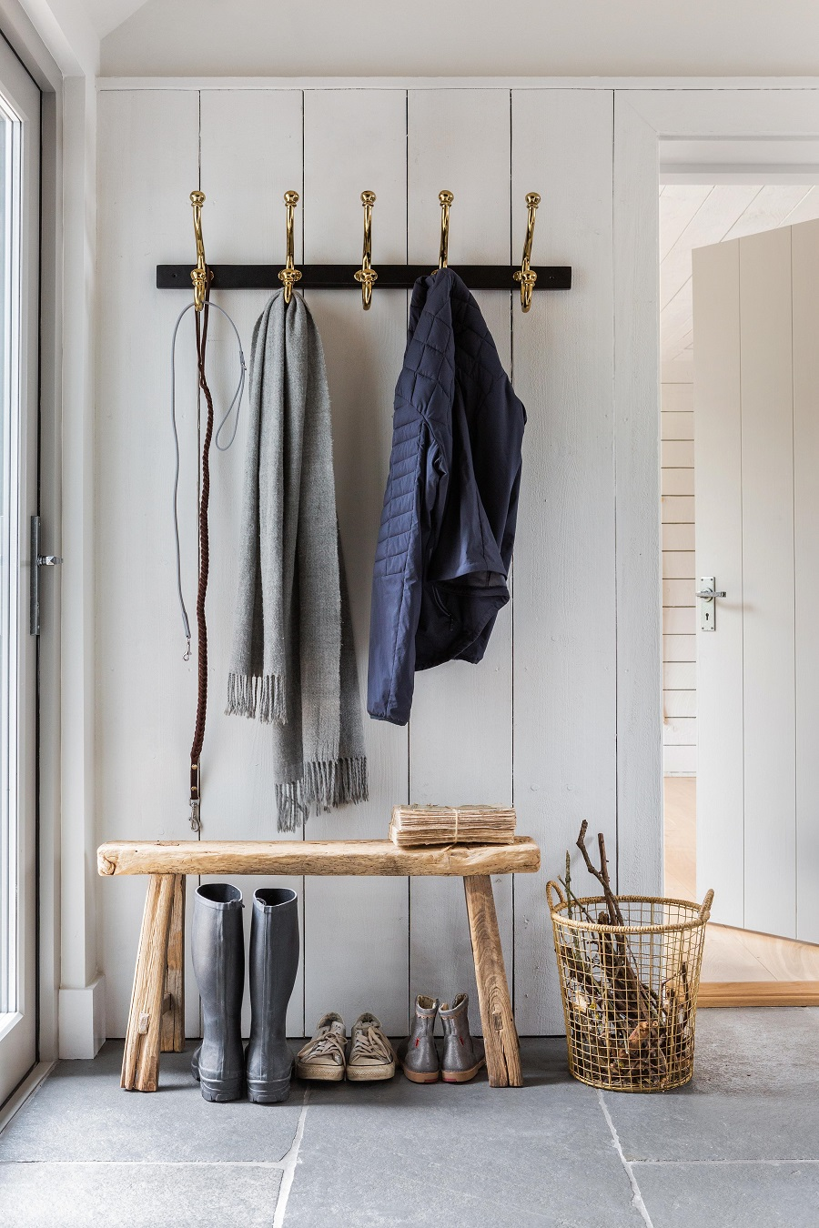 8 Top Tips for Creating a Stylish and Practical Hallway