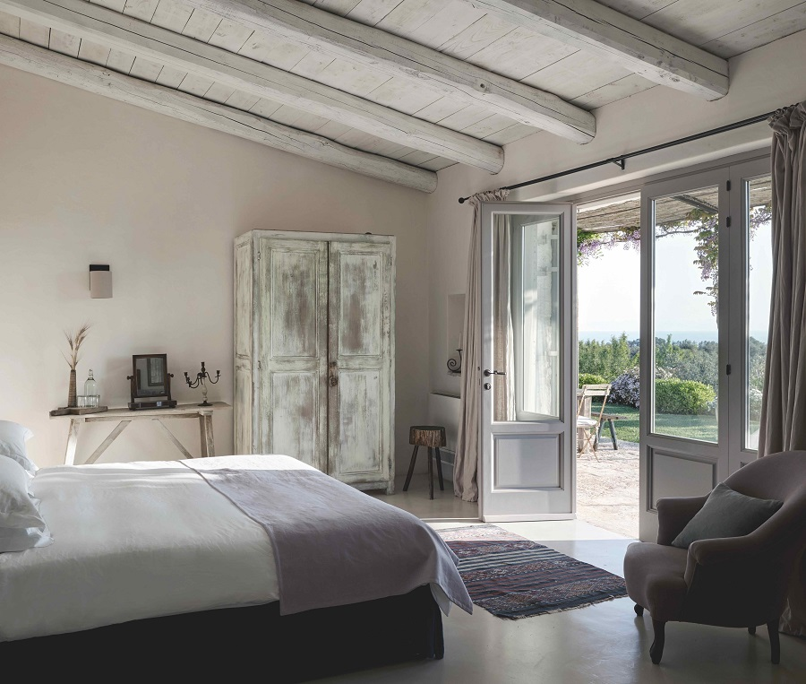 A Restored Italian Villa That Maintains its Authentic Farmhouse Heritage
