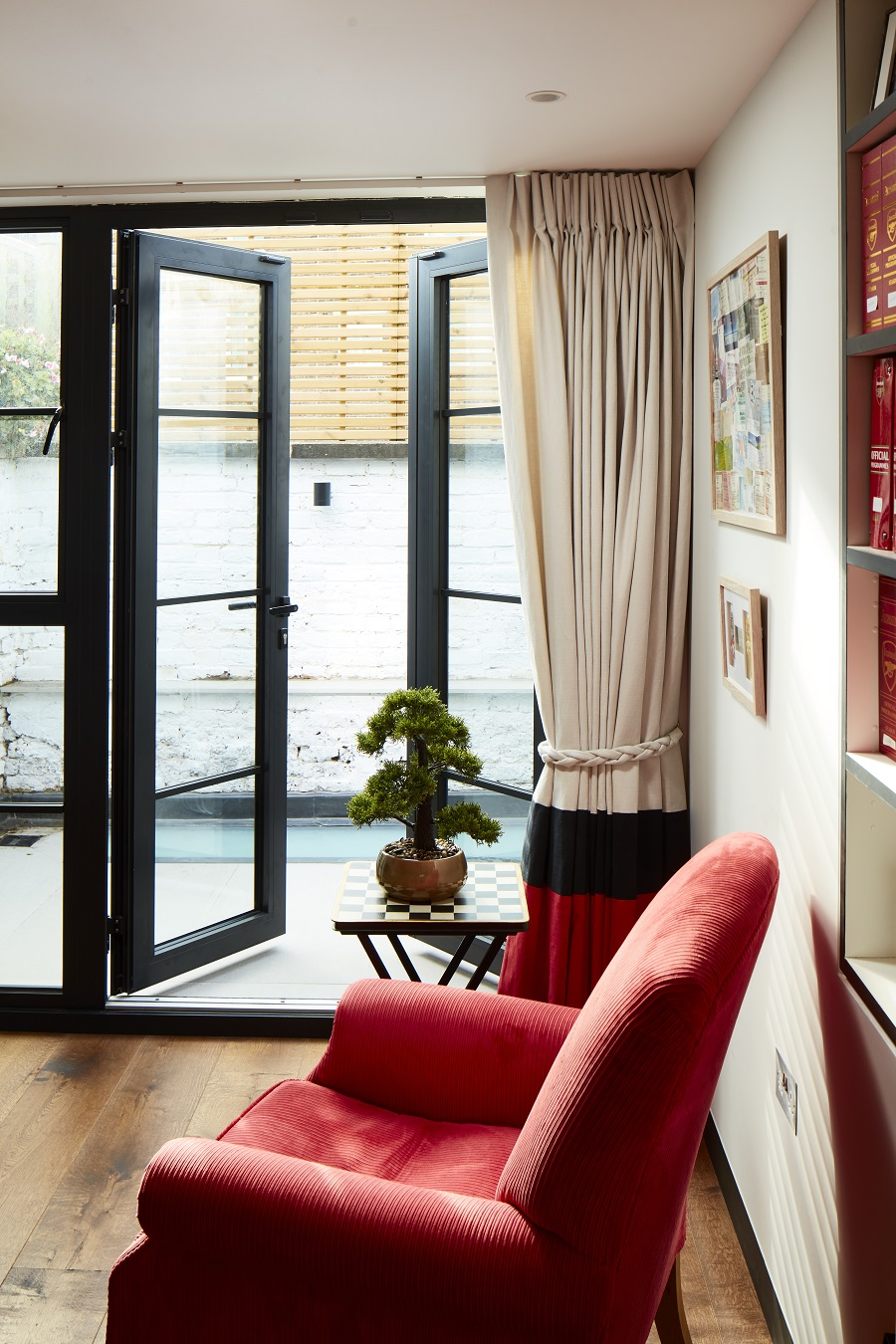 A London Mews House Filled With Light From All Directions